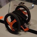 CES 2014: Parrot präsentiert kleinere AR.Drone und fahrenden Roboter