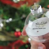 Aura: Die ersten leuchtenden Christbaum-Kugeln ohne Kabel werden auf Kickstarter finanziert